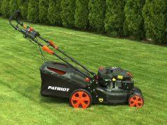 Как выбрать удобную газонокосилку