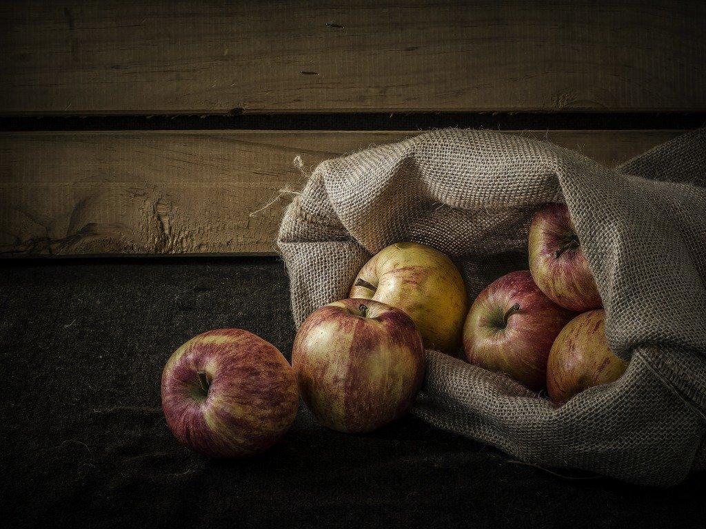 Как сохранить урожай яблок и груш