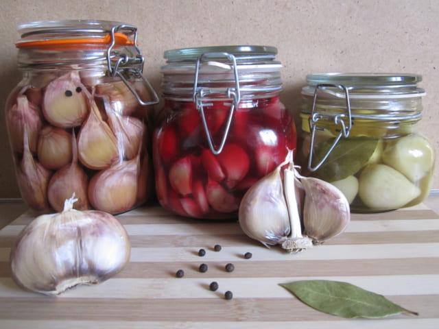 2 рецепта вкусного домашнего маринованного чеснока на зиму