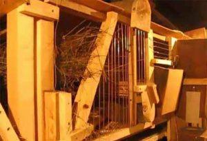 Трехэтажные клетки для кроликов